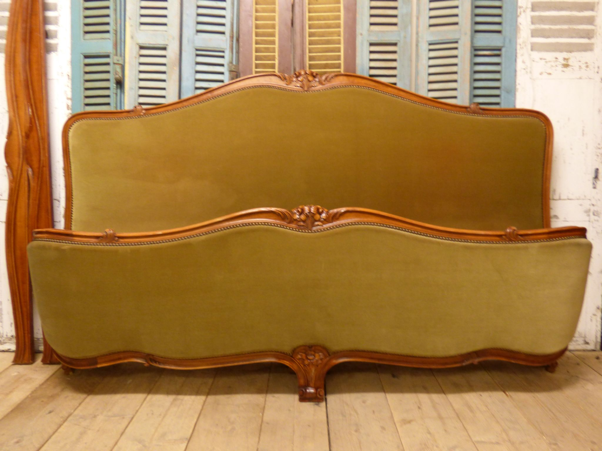 Lovely vintage french emperor size bed just in 2m wide for Sofa bed 200cm wide
