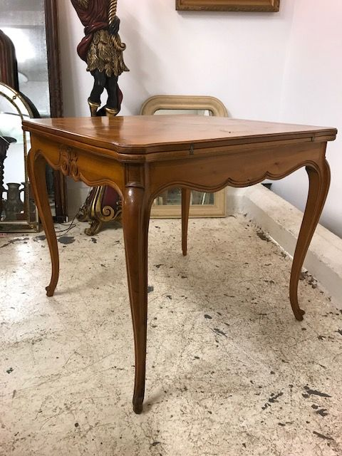 Extendable French  Table - sk18